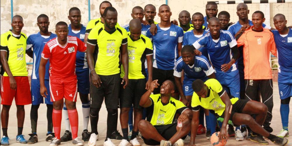 A Associação Profissional de Bancos e Estabelecimentos Financeiros da Guiné-Bissau (APBEF-GB) organizou un torneio de Futsal